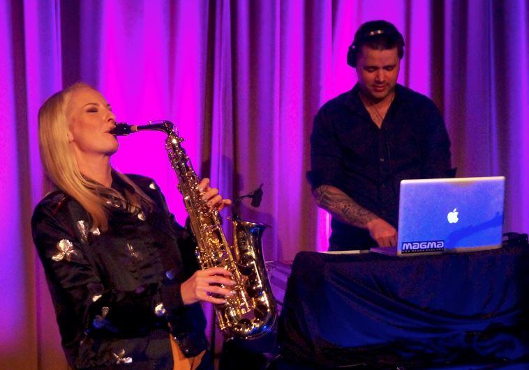 DJ og saksofon