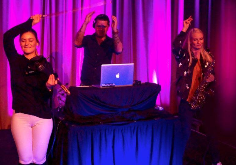 DJ, sax og fiolin